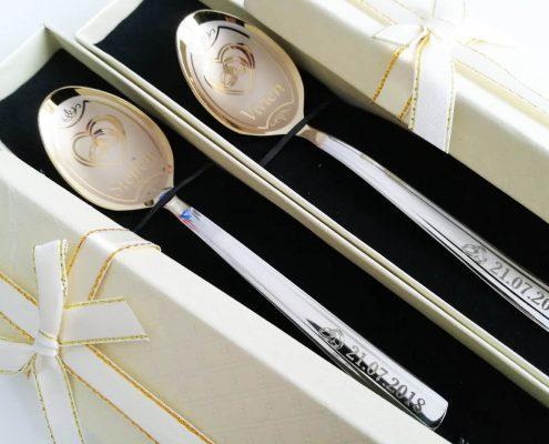 łyżeczki dla pary ślubnej